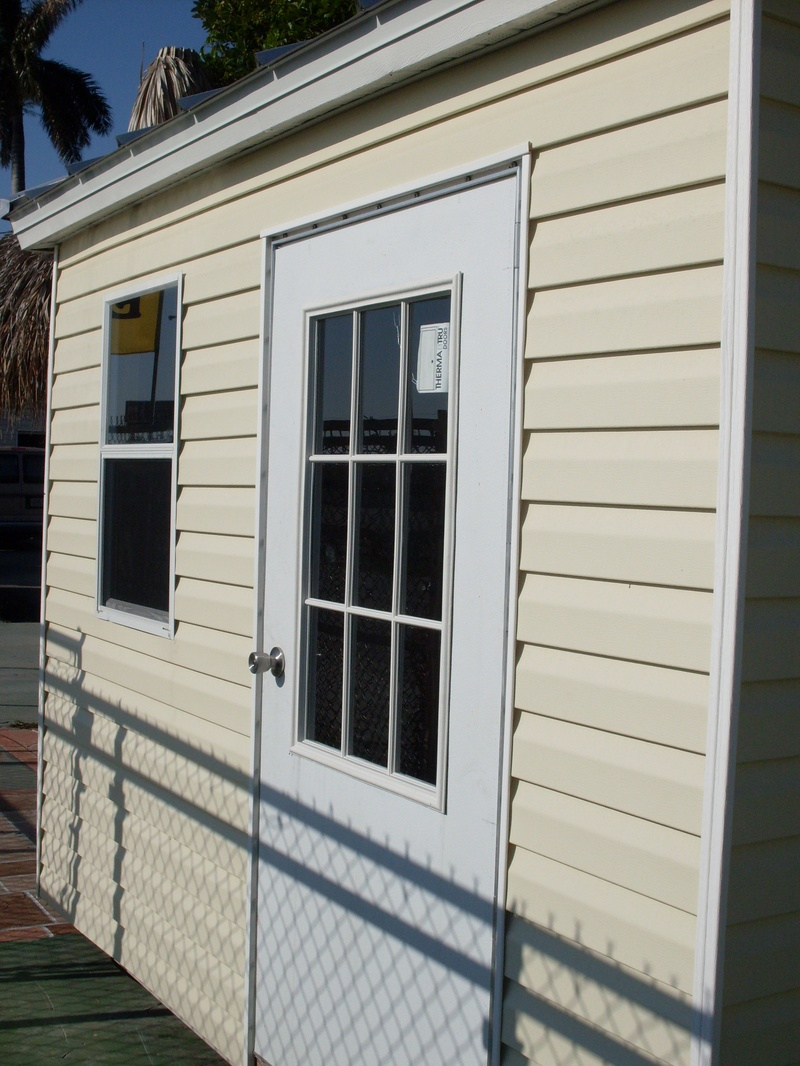 8x10 with colonial door