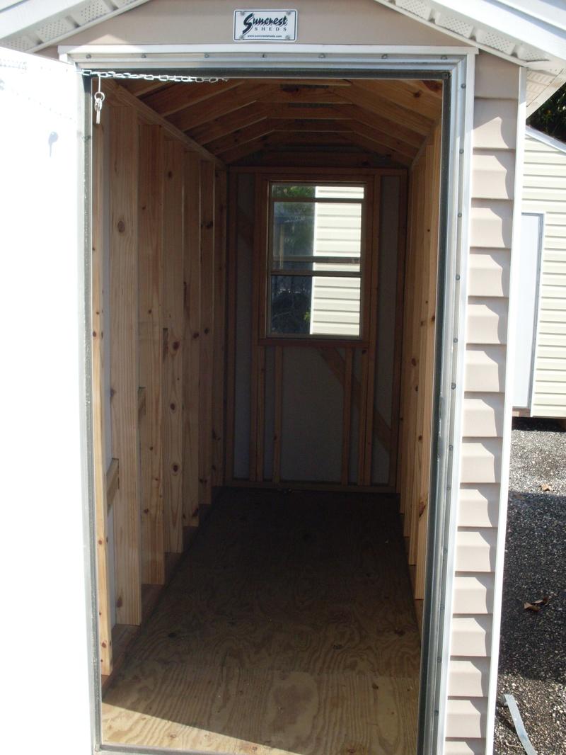 a look inside of the 4x10 with door open
